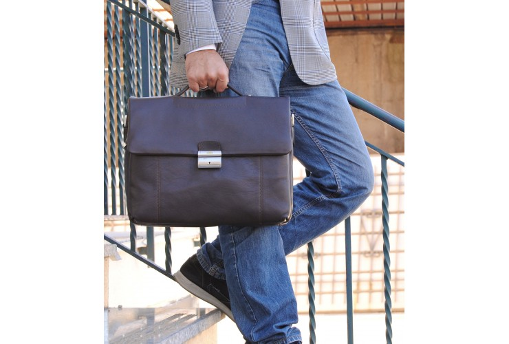 Business leather bag 15'' in soft leather Brown
