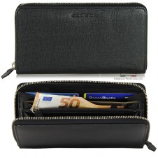 Women's wallet colored in black Saffiano leather with zip all around